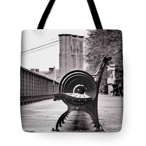Bench's Circles And Brooklyn Bridge - Brooklyn Heights Promenade - New York City Tote Bag