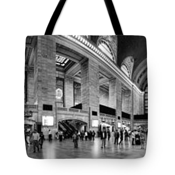 Black And White Pano Of Grand Central Station - Nyc Tote Bag by David Smith