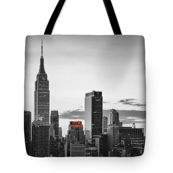 Black And White Version Of The New York City Skyline With Empire Tote Bag