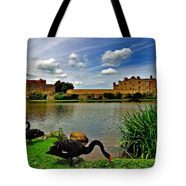 Black Swans At Leeds Castle II Tote Bag