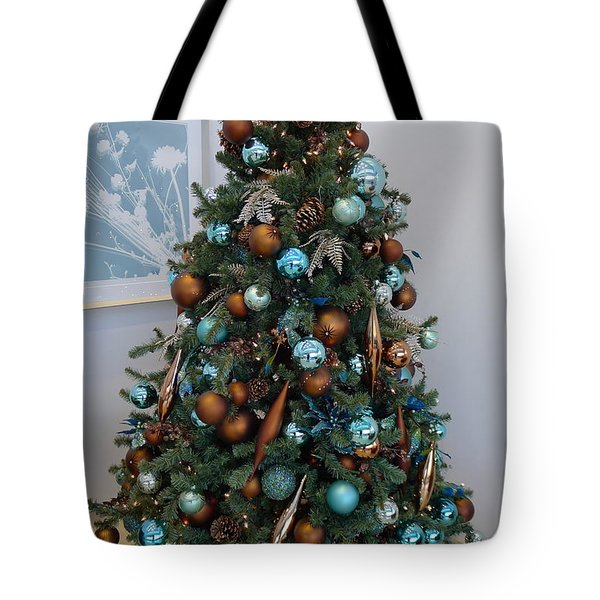 Tote Bag featuring the photograph Blue And Gold Xmas Tree by Richard Reeve