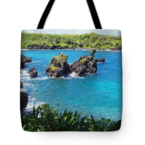 Tote Bag featuring the photograph Blue Hawaiian Lagoon Near Blacksand Beach On Maui by Amy McDaniel