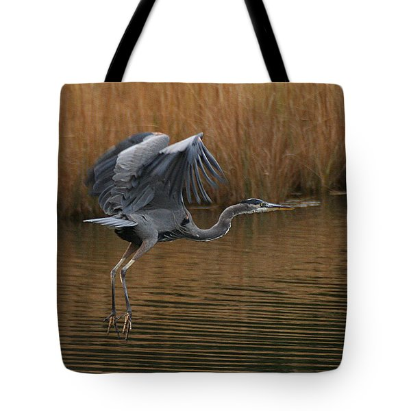 Blue Heron Takes Flight Tote Bag