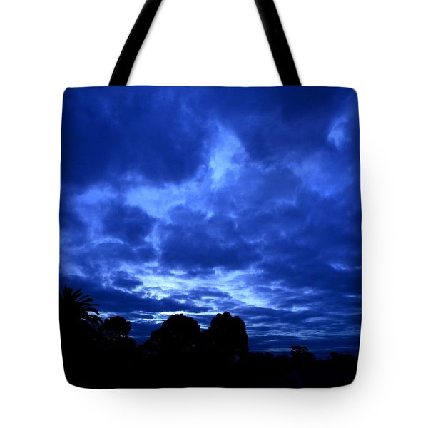 Tote Bag featuring the photograph Blue Storm Rising by Mark Blauhoefer