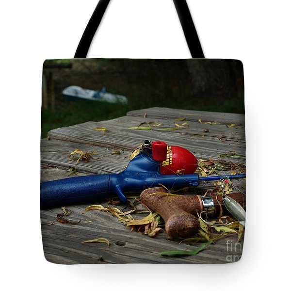 Tote Bag featuring the photograph Blured Memories 02 by Peter Piatt