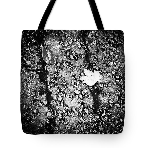 Leaves In The Wet Black 'n' White Tote Bag by Jason Michael Roust