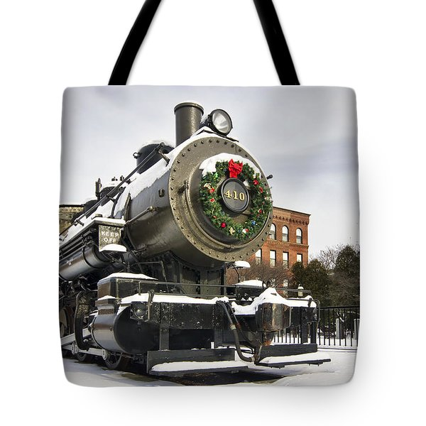 Boston And Maine Locomotive Tote Bag by Eric Gendron