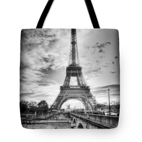 Bridge To The Eiffel Tower Tote Bag