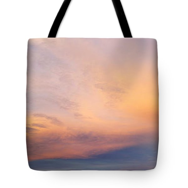 Bright Sunset Sky Tote Bag by Les Cunliffe