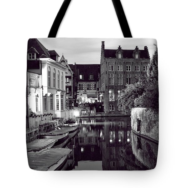 Bruges Canal In Black And White Tote Bag