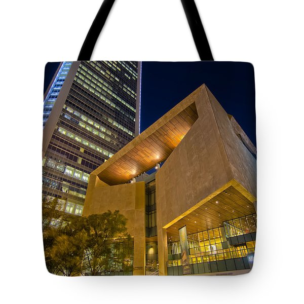 Buildings And Architecture Around Mint Museum In Charlotte North Tote Bag