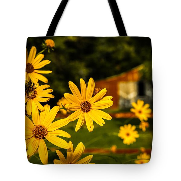 Bumble Bee On A Western Sunflower Tote Bag