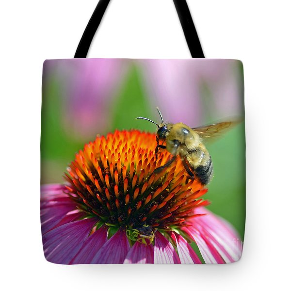 Bumblebee On A Coneflower Tote Bag