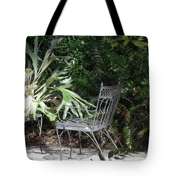 Bust In A Garden With Staghorn Fern Tote Bag by Patricia Greer