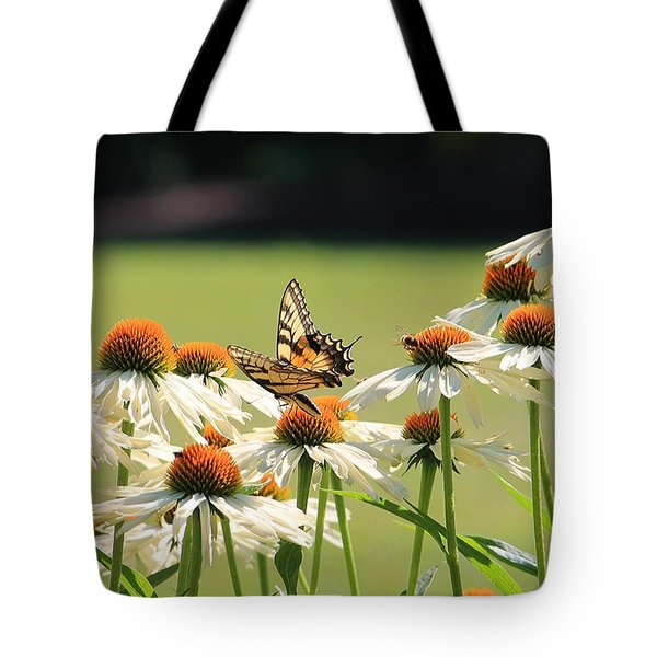 Butterfly On Echinacea Tote Bag