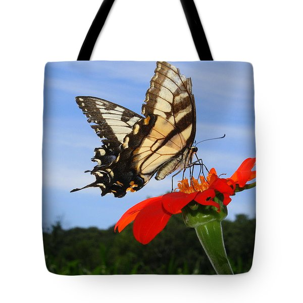 Butterfly On Red Daisy Tote Bag
