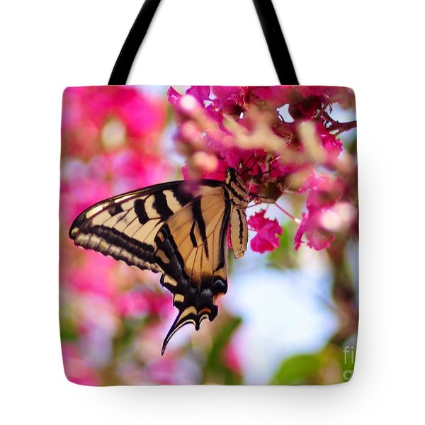 Butterfly On The Crepe Myrtle. Tote Bag