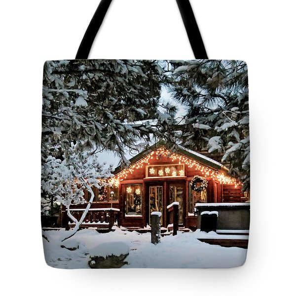 Cabin With Christmas Lights Tote Bag