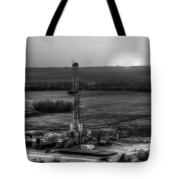 Cac001-137 Tote Bag by Cooper Ross