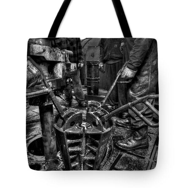 Cac001bw-19 Tote Bag by Cooper Ross