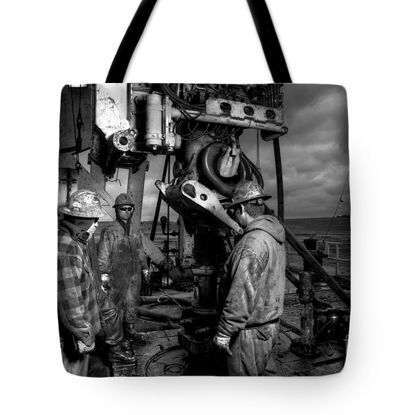 Cac001bw-21 Tote Bag by Cooper Ross