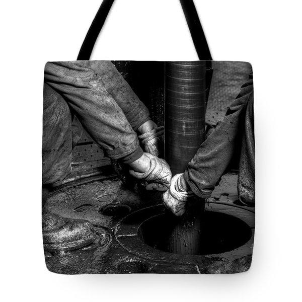 Cac001bw-25 Tote Bag