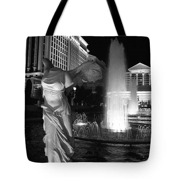 Caesars Fountain Bw Tote Bag