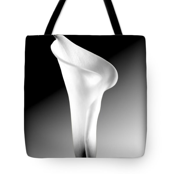 Tote Bag featuring the photograph Calla Lily Bw by Richard J Thompson