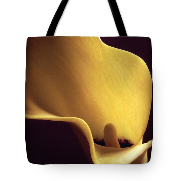 Calla Lily Close Up Tote Bag