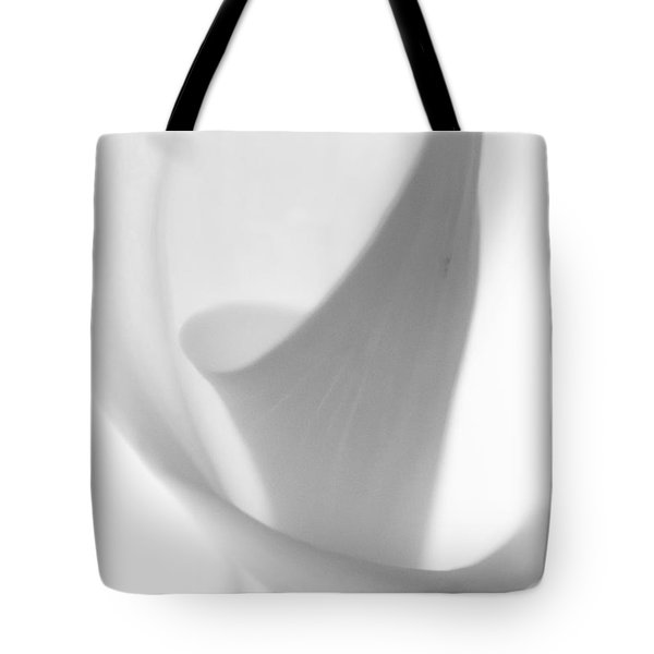 Tote Bag featuring the photograph Calla Lily by Jonathan Nguyen