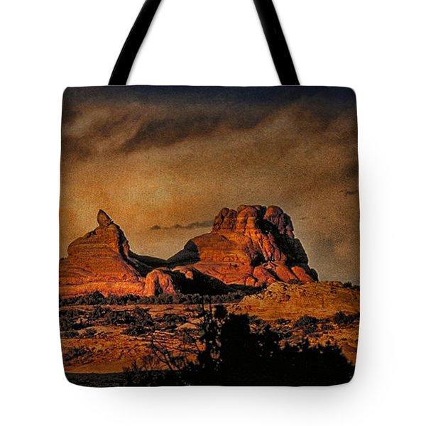 Camelback Canyon Lands Tote Bag by Robert Albrecht