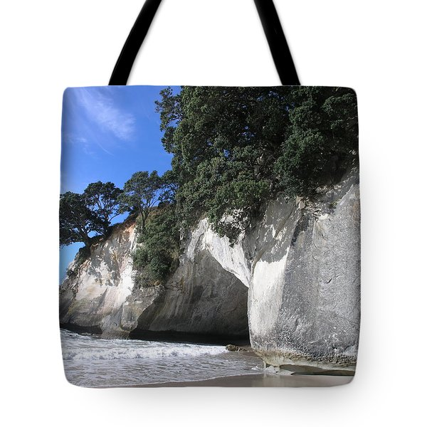 Tote Bag featuring the photograph Cathedral Cove by Christian Zesewitz