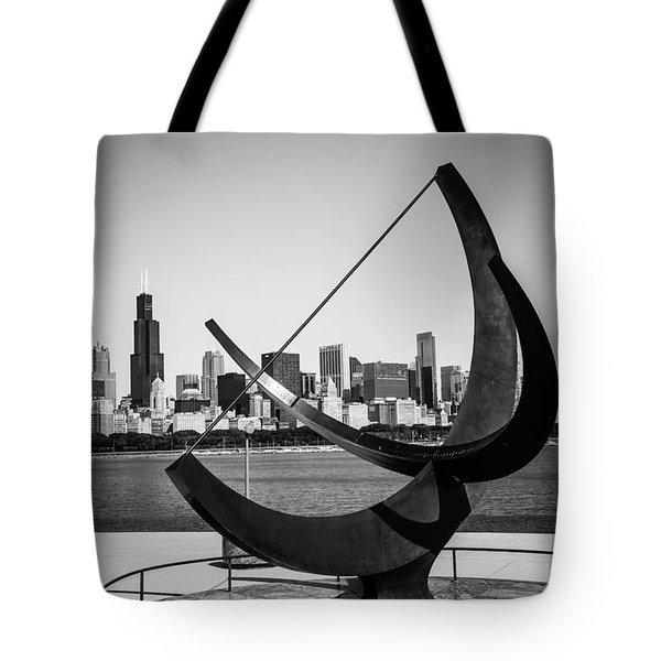 Chicago Adler Planetarium Sundial In Black And White Tote Bag
