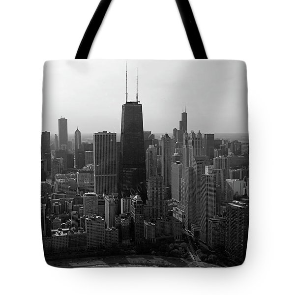 Chicago Looking South 01 Black And White Tote Bag by Thomas Woolworth