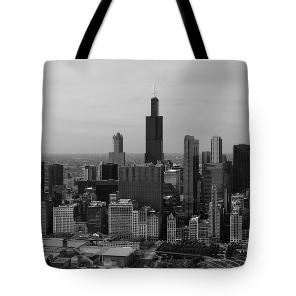 Chicago Looking West 01 Black And White Tote Bag by Thomas Woolworth