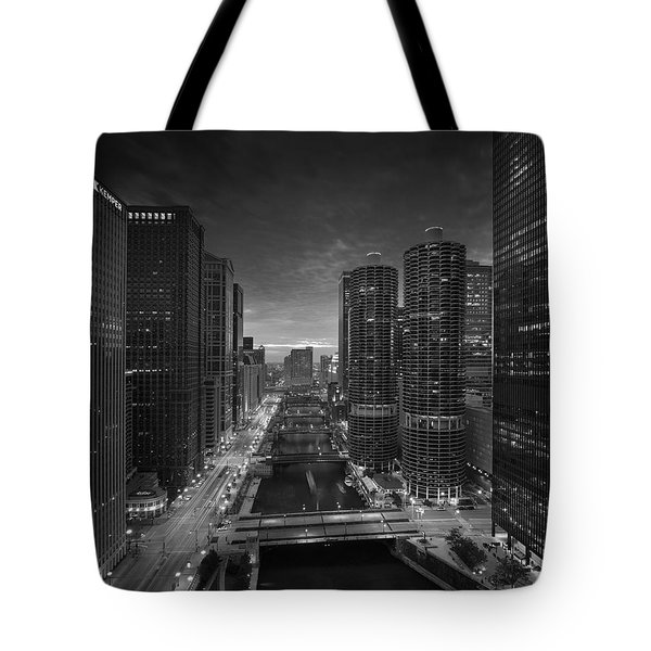 Chicago River Sunset B W Tote Bag