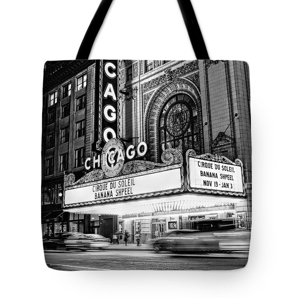 Chicago Theatre Marquee Sign At Night Black And White Tote Bag
