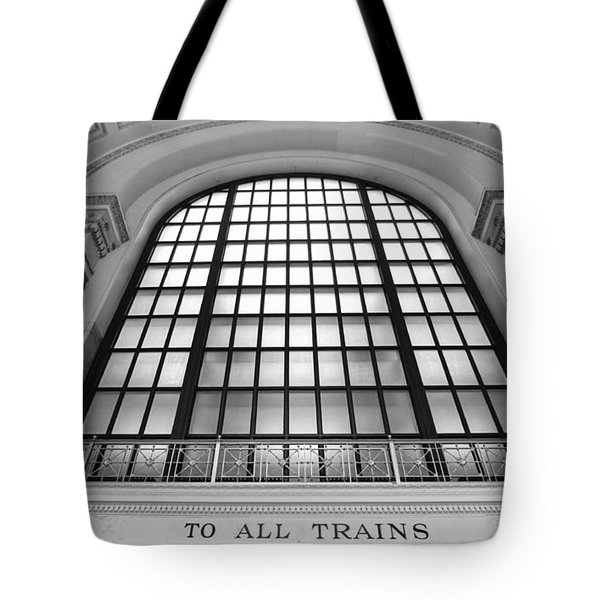 Chicago Union Station - Black And White Tote Bag