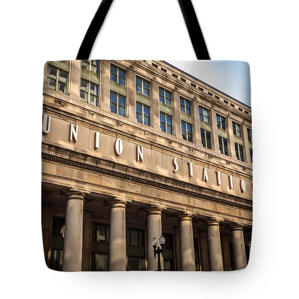 Chicago Union Station Building And Sign Tote Bag by Paul Velgos