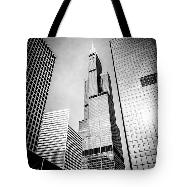 Chicago Willis-sears Tower In Black And White Tote Bag