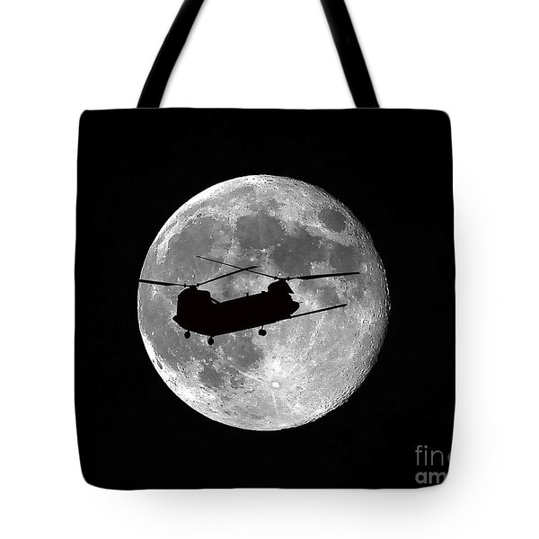 Chinook Moon B And W Tote Bag by Al Powell Photography USA