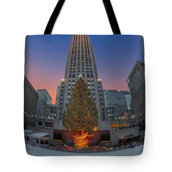 Christmas At Rockefeller Center In Nyc Tote Bag by Susan Candelario