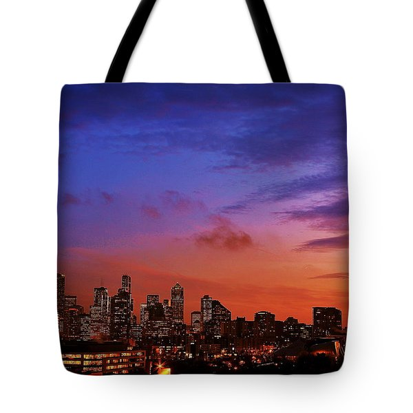 Christmas In Seattle Tote Bag by Benjamin Yeager
