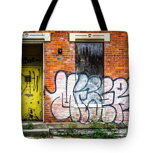 Cincinnati Glencoe Auburn Place Graffiti Picture Tote Bag by Paul Velgos