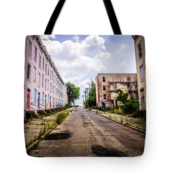 Cincinnati Glencoe-auburn Place Image Tote Bag by Paul Velgos