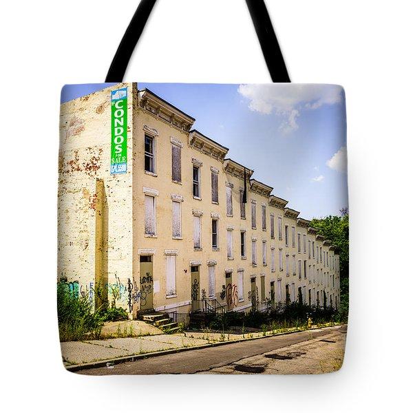 Cincinnati Glencoe-auburn Row Houses Picture Tote Bag by Paul Velgos