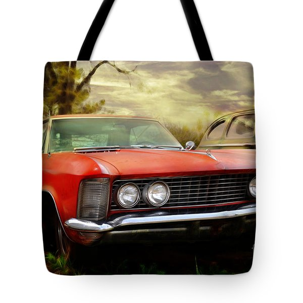 Tote Bag featuring the photograph Classic by Liane Wright