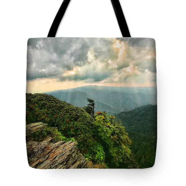 Cliff Tops At Mt. Leconte Gsmnp Tote Bag