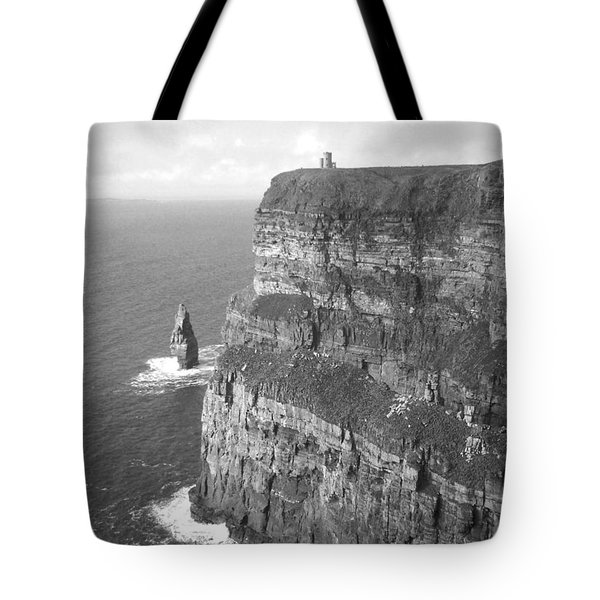 Cliffs Of Moher - O'brien's Tower B N W Tote Bag