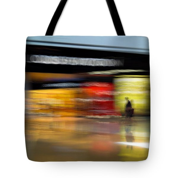 Closing In Tote Bag by Alex Lapidus